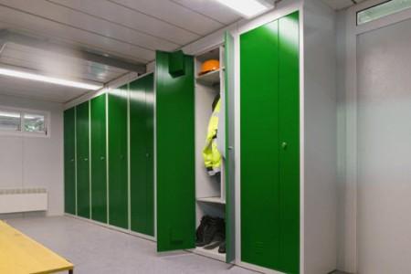 Faut-il des vestiaires, armoires ou casiers pour vos salariés lors d'un chantier ?